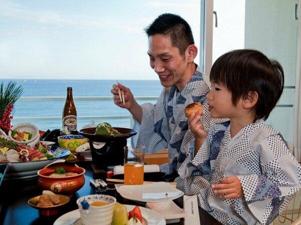 小さなお子様連れのファミリーに人気のお部屋食!家族みんなで美味しい料理を囲んでわいわい楽しんでね♪
