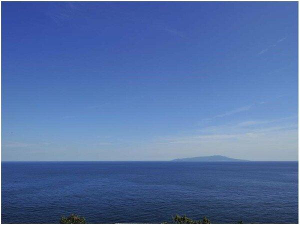 眼前に望む大海原と伊豆大島
