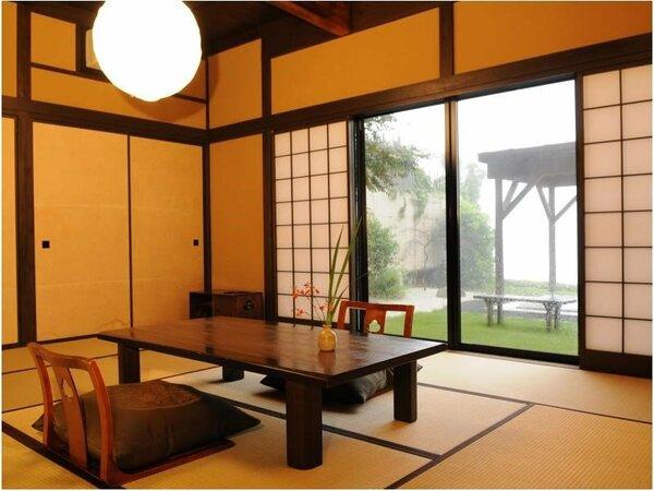 【二階屋和室】 1階和室12畳・寝室8畳タイプの離れ客室。展望檜内湯付きです。