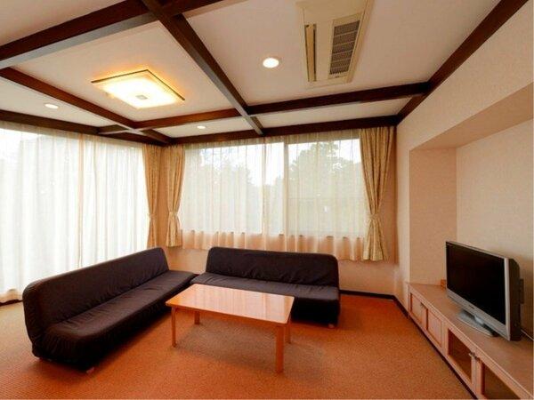 八丈島1・2号 客室 一例(ソファーベット2台+寝室2ベット)