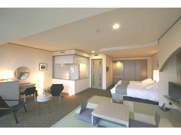 和洋一体型のお部屋は広々とした開放感。足湯付客室 ※一例