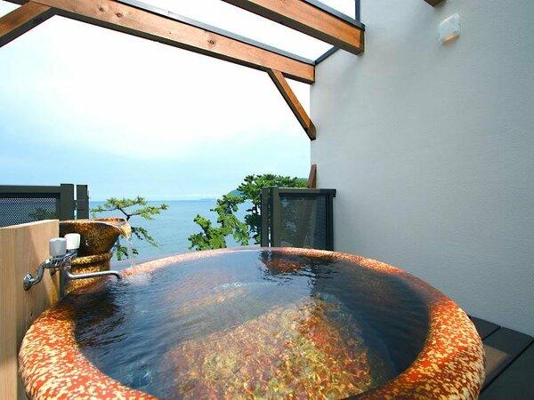 空と海を思う存分楽しもう!展望貸切露天風呂は24H無料だよ!