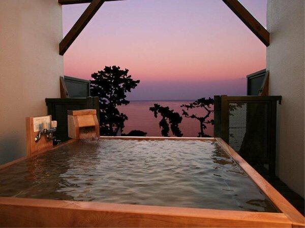 海の・・朝焼け・・夕焼け・・展望貸切露天風呂は時間毎の景色の移り変わりが楽しめる