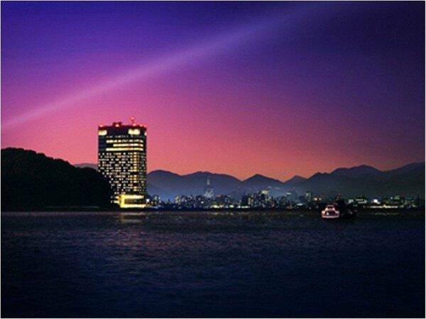 ホテル外観(夜イメージ)