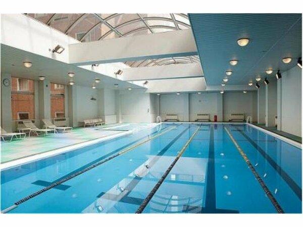 サンテロワの室内温水プールは、水温30度、水質はつねにベストコンディション