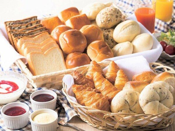約50種類の和洋朝食バイキング