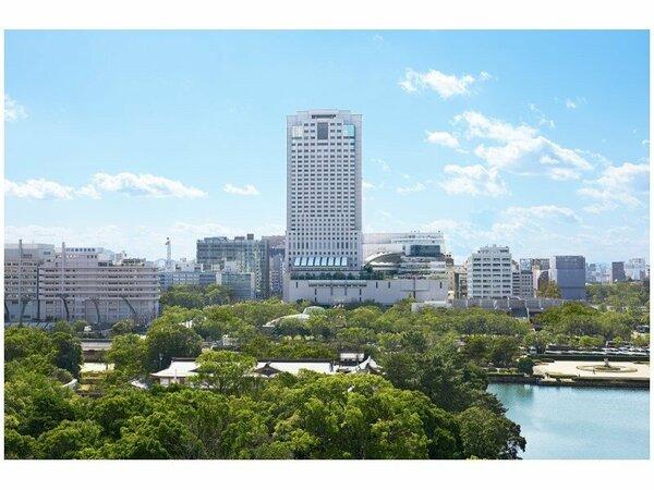 広島を一望する地上33階150Mの市内ホテル最高の高さを誇るリーガロイヤルホテル広島。