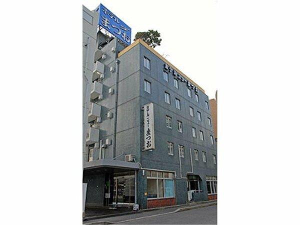 JR広島駅南口より徒歩5分、新幹線口より徒歩3分!交通至便な立地にございます。