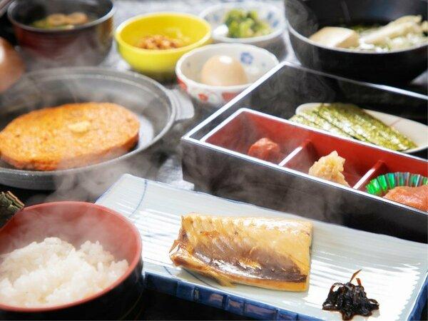 【朝食】海沿いならではの「焼き魚」「さつま揚げ」等海海の見えるレストランにて♪