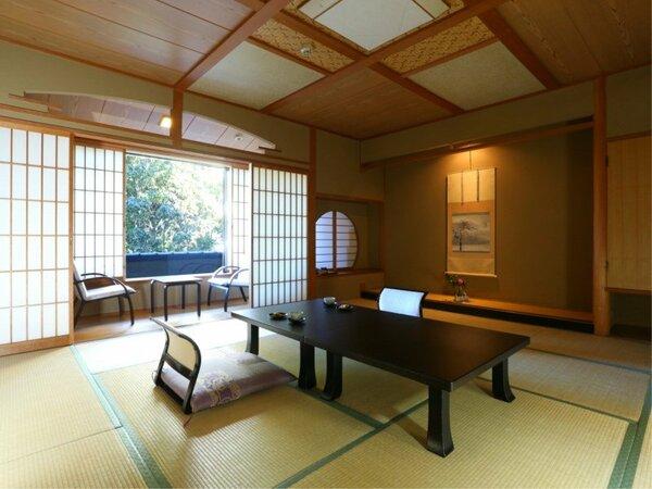 ◇【花・鶴】広縁付き、数寄屋造りの準特別室(12.5畳)。広縁をそなえたお部屋です。