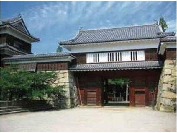 日本全国に名を馳せた真田氏の居城「上田城」を核とした観光拠点である上田城跡公園までは徒歩で約10分