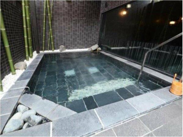 男性大浴場のみ露天風呂がございます