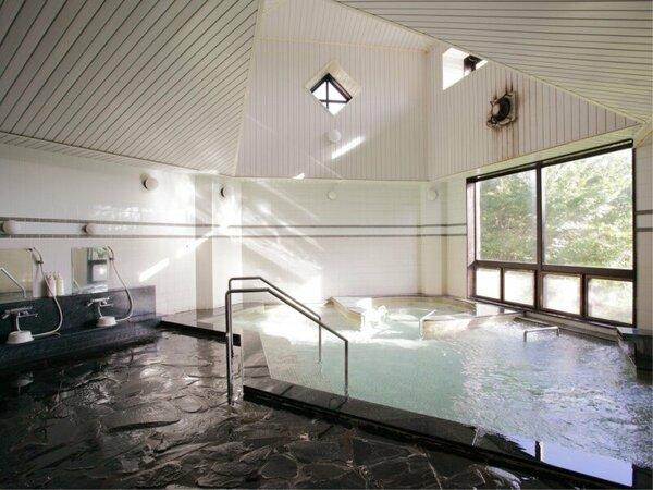 *まさぼうの湯/マイナスイオンを発生する鉱石を使用した準天然トロン温泉。