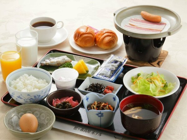 *朝食一例/アーク牧場の新鮮卵や地元岩手のおいしいお米、パンもご用意しております。