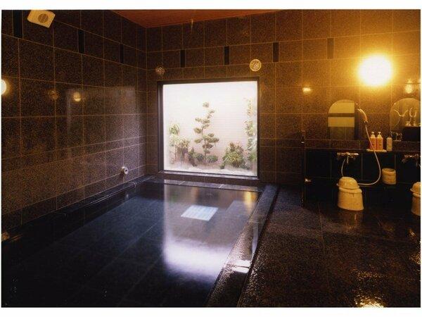 男女別ラジウム人工温泉大浴場「旅人の湯」 入浴時間 15:00から2:00、5:00から10:00