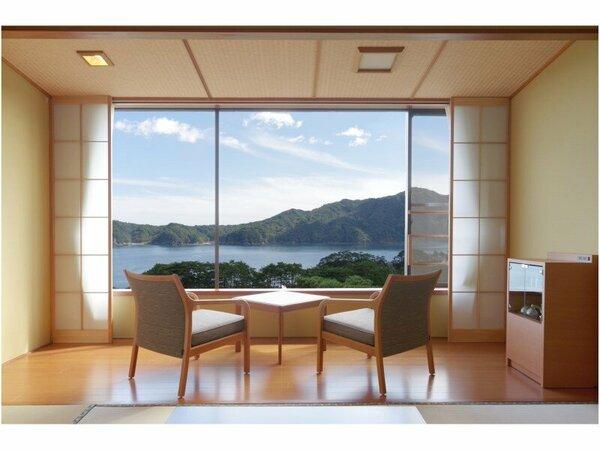 一瞬一瞬表情を変える海の色をご覧いただけます/海側客室
