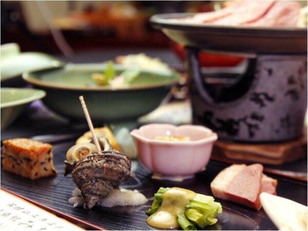旬の味覚や相模湾の新鮮な魚介を楽しめる和食膳をお出ししております。
