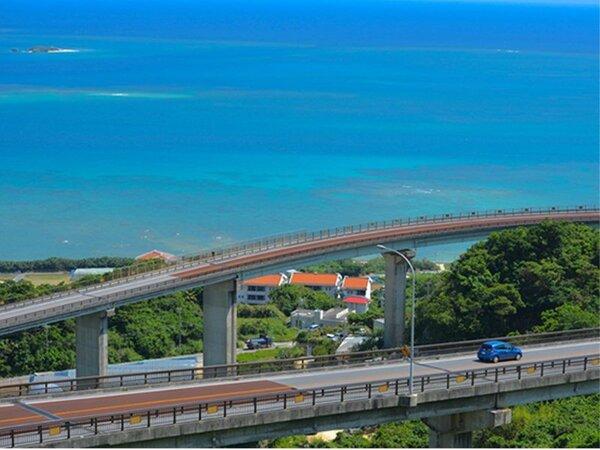 沖縄南部屈指の絶景ドライブスポット「ニライカナイ橋」