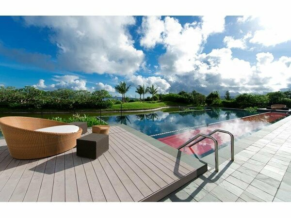 Outdoor_Swimming_Pool_1