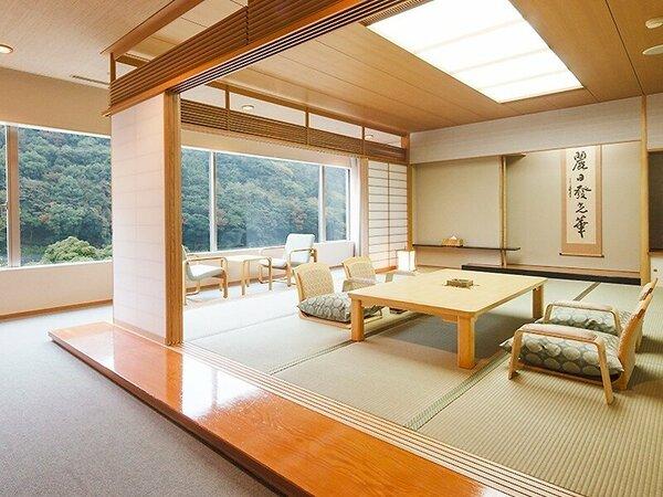 レインボープラザ和室の一例(15畳)客室によりレイアウトと家具が若干異なります