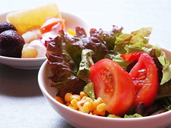 【朝食バイキング】新鮮サラダとデザート