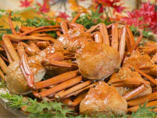 【料理長 特選の蟹】冬は焼きガニをお楽しみください