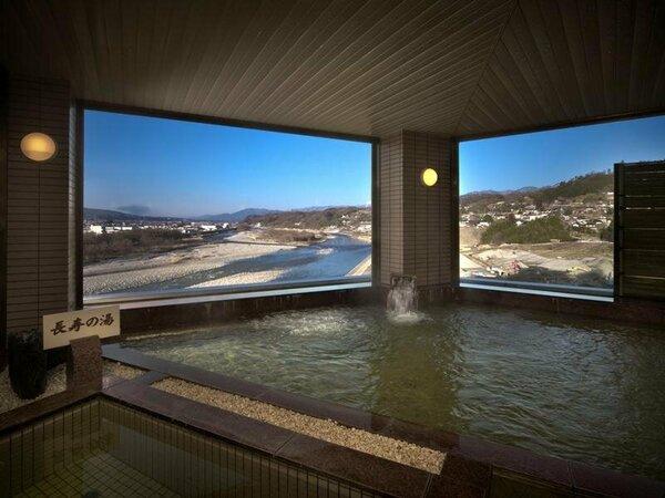 天竜川の絶景を望む女性大浴場・夜は飯田の夜景が素晴らしい!花火大会の日は最高