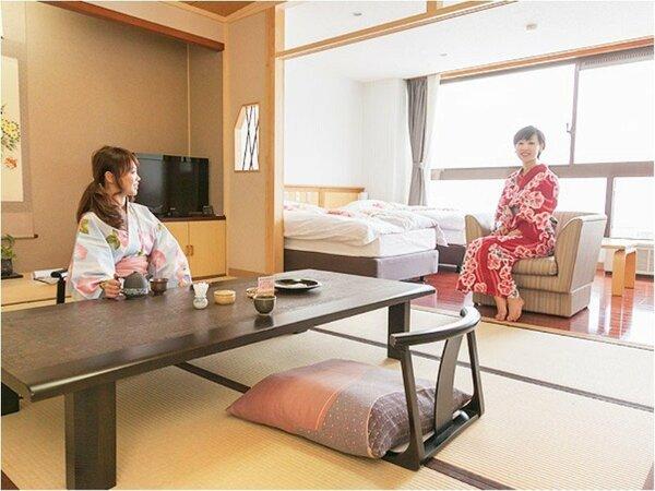 【和洋室】ゆっくり和室でくつろいで、お茶請けのくるみゆべしも美味しい。