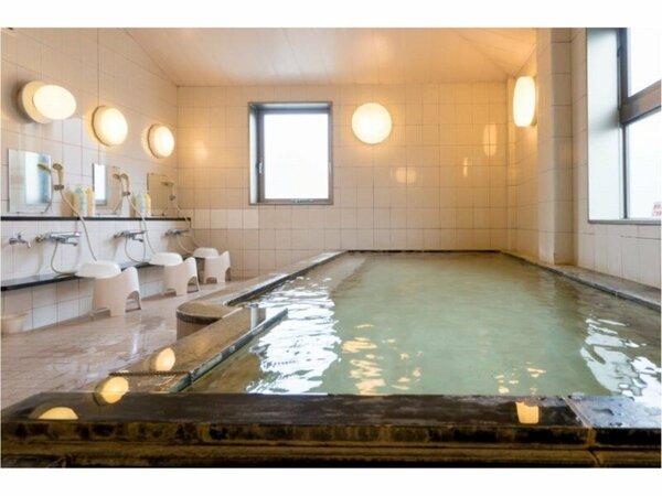 男性大浴場 浴室内