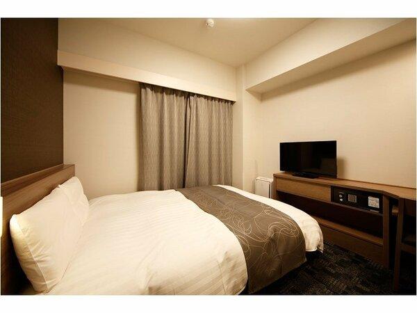 ◆ダブルルーム【広さ14平米・ベッドサイズ140cm×195cm×1台】