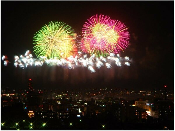 【客室から見た花火大会】