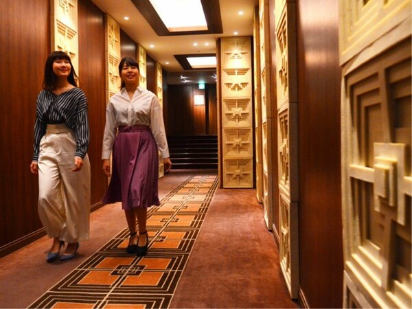 館内にはおしゃれ廊下がたくさん!ずっと歩いても新たな発見の連続♪