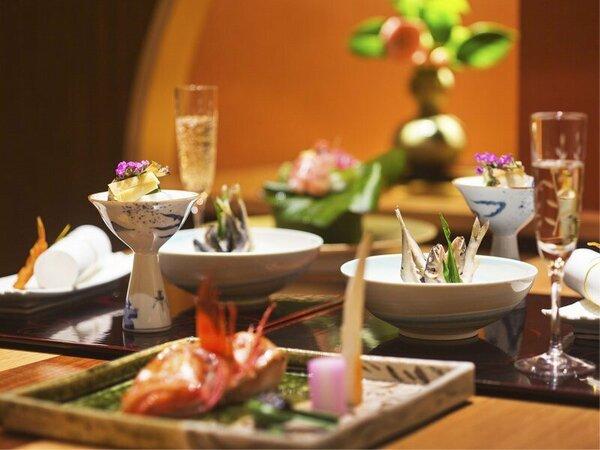 """飛騨高山の自然に育まれた滋味を""""一期一会のお料理""""にしてお届けします"""
