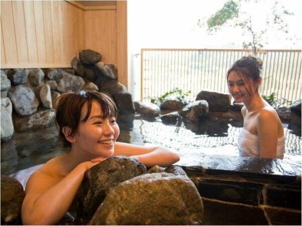 【貸切風呂】三種類の異なる雰囲気の貸切風呂は、無料でご利用いただけます。