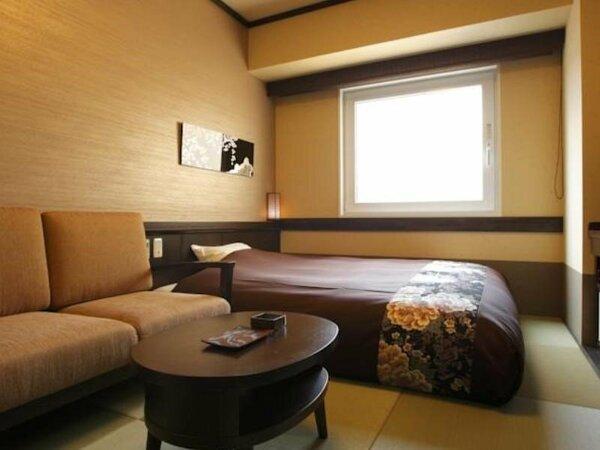 【和セミダブル】ベッド幅160cmのダブルサイズ。カップルはもちろん、ひとり旅にもおすすめ。