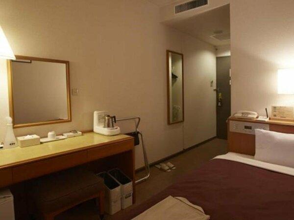 【シングル】12平米のお部屋です。 ベッド幅120cm/全室Wi-Fi接続可