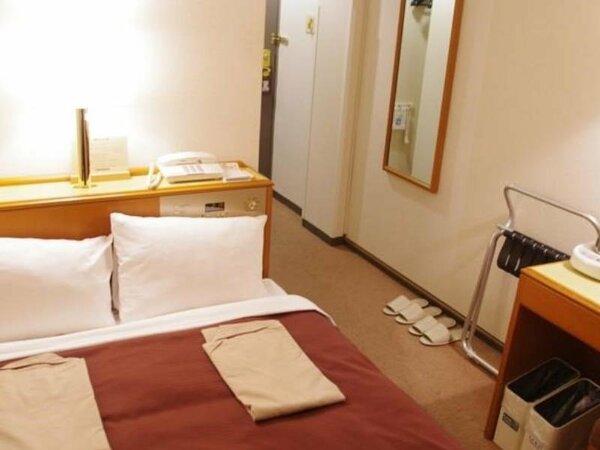 【セミダブル】2名でご利用いただく12平米のお部屋です。ベッド幅120cm/全室Wi-Fi接続可