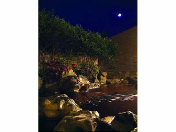 はまなす温泉 夜の露天風呂