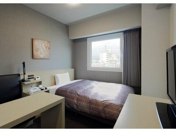 ■シングルルーム■ベッドサイズ130×200cm Wi-Fi、32型液晶TV、冷蔵庫 完備!
