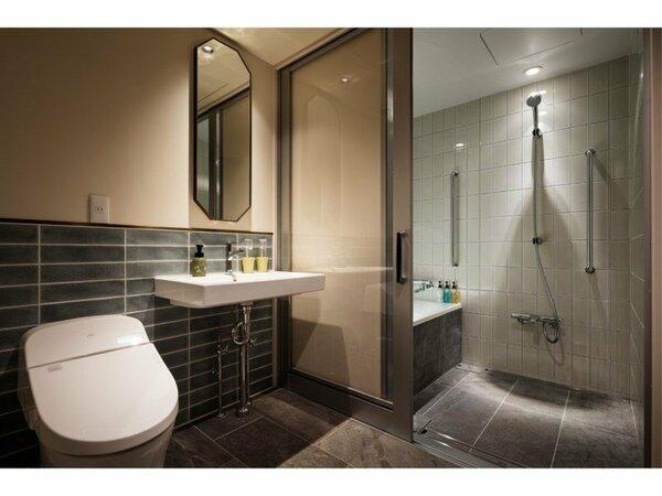 車椅子でのご利用も可能なユニバーサルツインのバスルーム