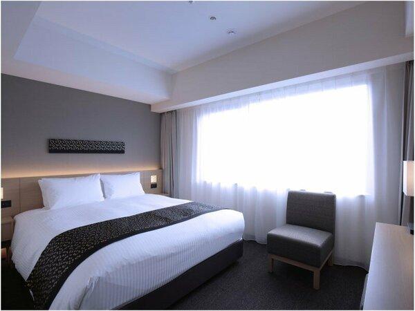 【スーペリアダブル】20~21平米。シモンズ製160cmベッドでお二人でもゆったりお休みいただけます。