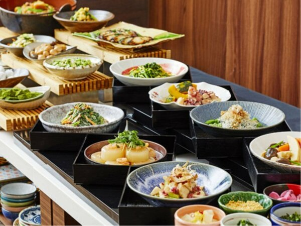 朝食はバランスの良い和洋食をブッフェスタイルでご用意(イメージ)
