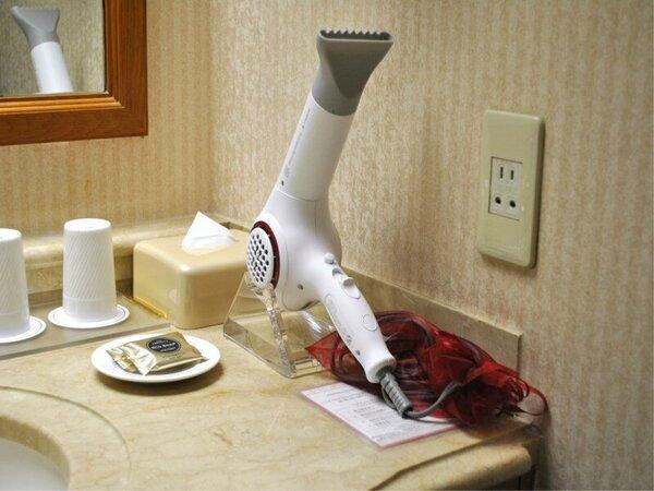 全客室に「乾かすだけで潤う新感覚の美容機器」ヘアビューザーを導入しております。