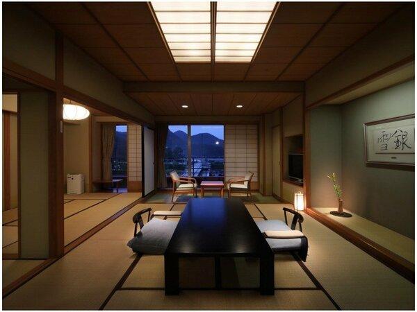 【和室10+6畳】ゆったりレイアウトされた10畳和室と6畳次の間。グループや大家族でのご利用に♪