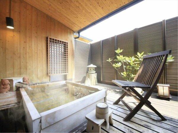 檜の香りがあふれる檜露天風呂付客室「萌黄彩」