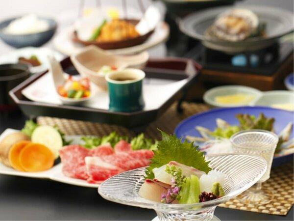 夏会席「月舟」:鯛、烏賊、縞アジなど日本海の海の幸に、野菜の旨味たっぷりの出汁で頂く和牛シャブ。
