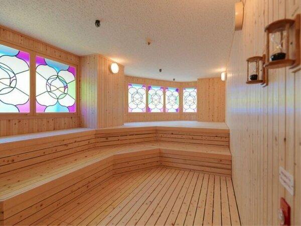 【8F 展望大浴場「天の原」】展望サウナ。たっぷりと汗をかいて、すっきり♪