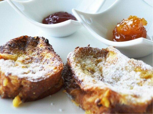 朝食のおすすめはふわっふわのフレンチトースト♪