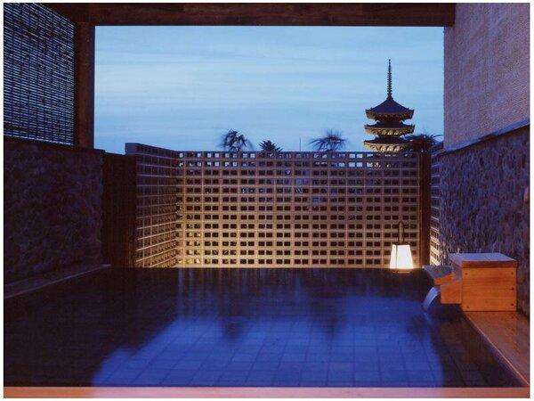 古都の風を感じる展望露天風呂からは興福寺五重塔や南円堂が望めます。