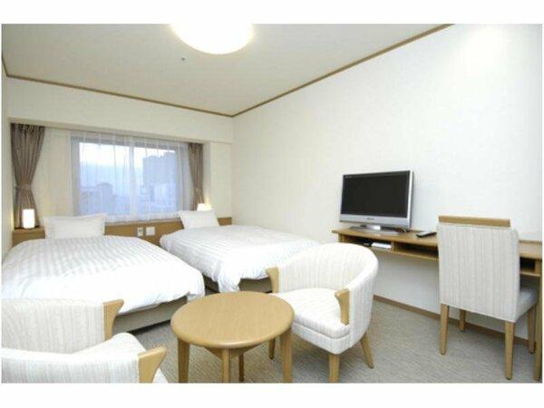 【客室】『ツインルーム』 広さ22平米 ベッドサイズ横115cm×縦205cm(2台)